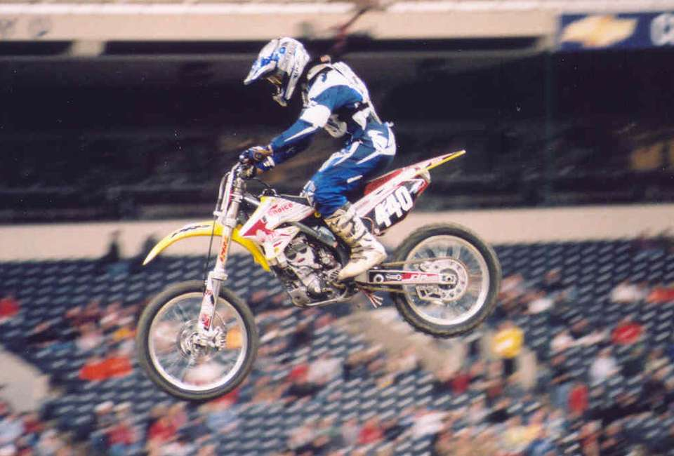 Ryan Koontz trying to make it to the main at the 2005 RCA Dome THQ AMA Supercross
