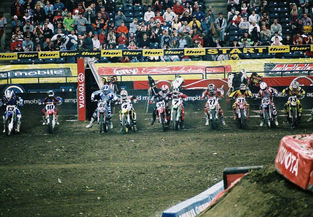 Main start 2006 RCA Dome THQ AMA Supercross