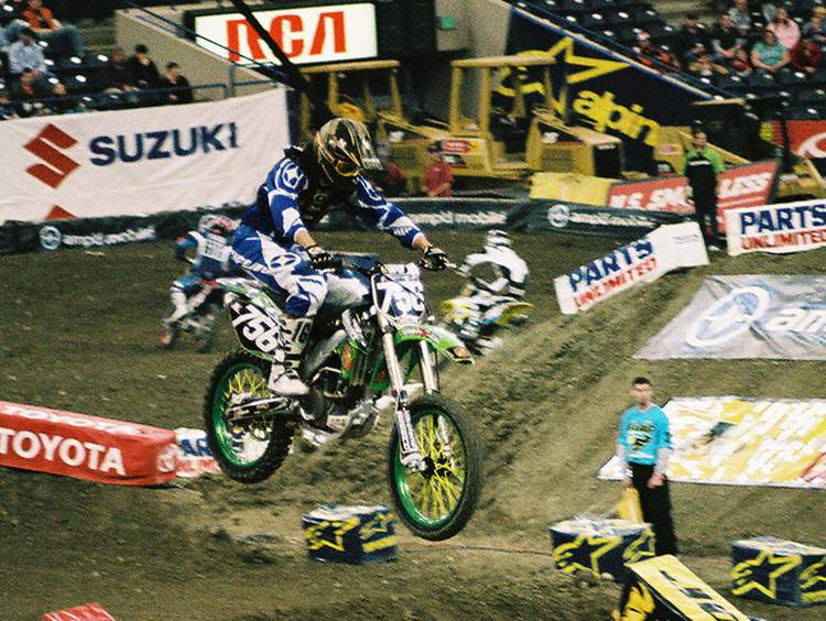Shawn Clark qualifing for the 2006 RCA Dome THQ AMA Supercross